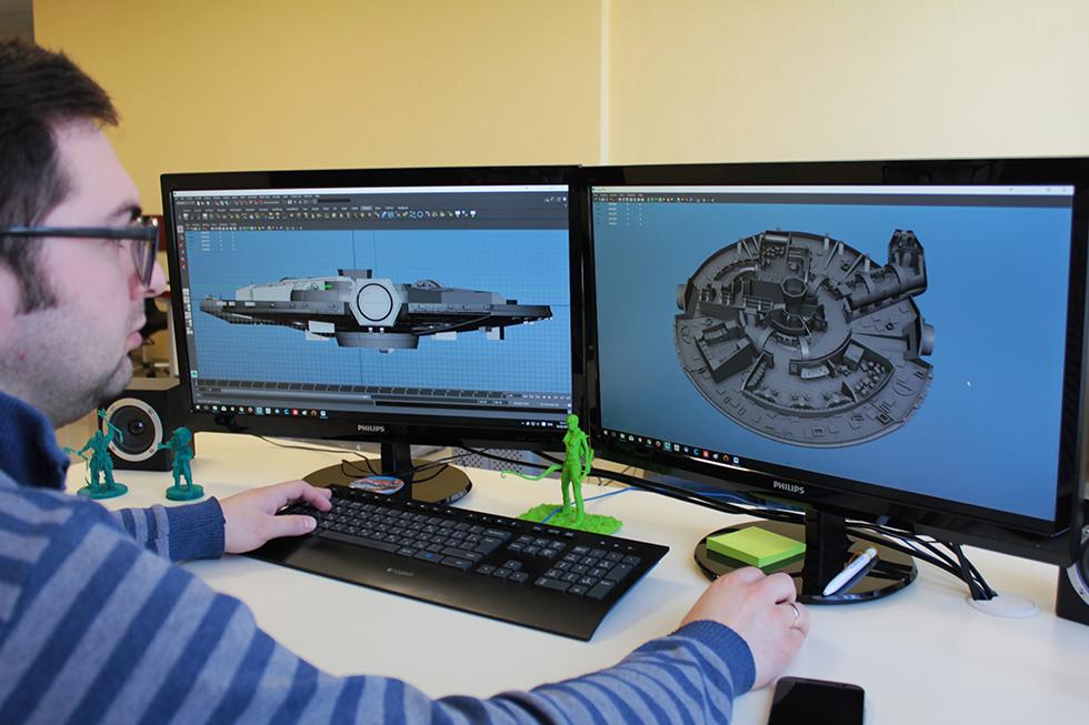 Designing Millennium Falcon Model
