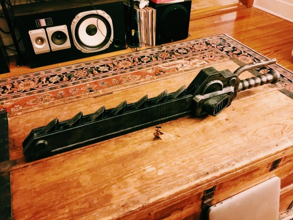 This is how the chainsword looks like in 3D printed form
