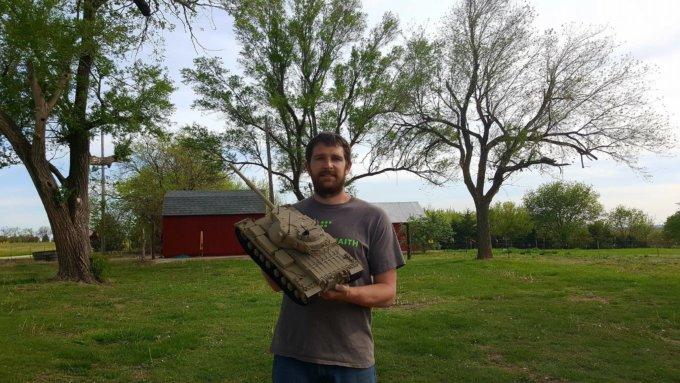 Maker in the Spotlight: Justin Daniel 3D Prints 1/16 Scale GB Conqueror Tank
