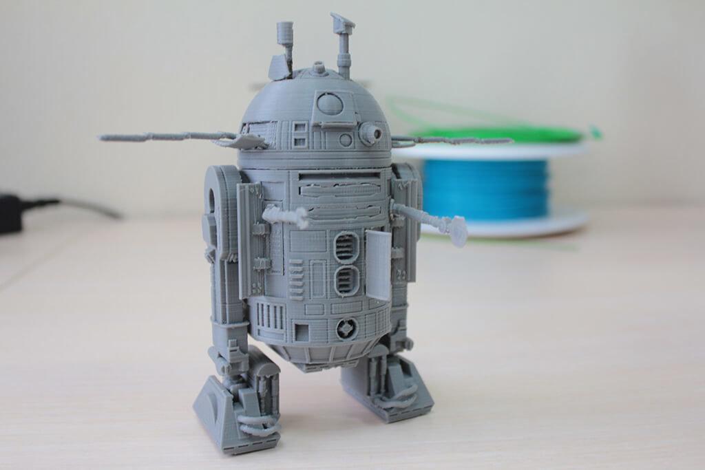 3D printed R2-D2 model