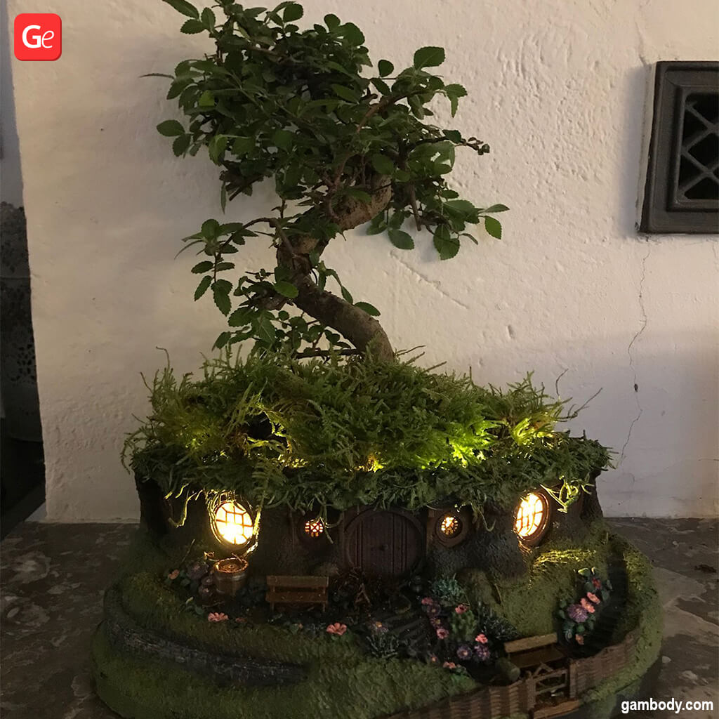 LOTR Hobbit house flower pot 3D printed with real bonsai tree with lights