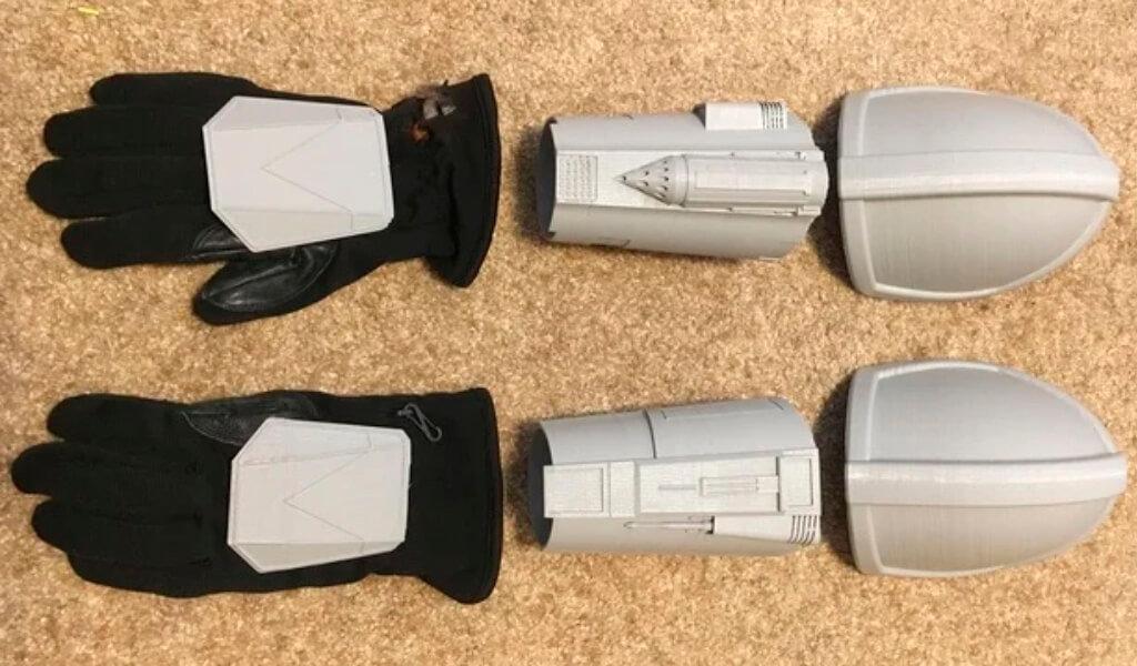 Mandalorian Gauntlets 3D printed