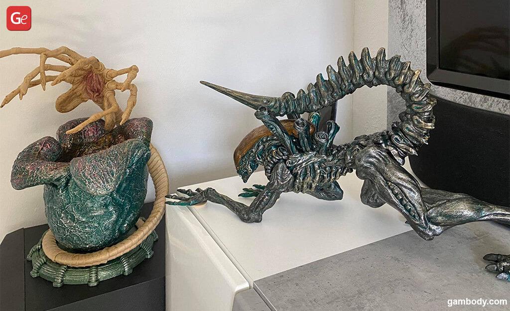 Facehugger and Alien Xenomorph 3D printed diorama