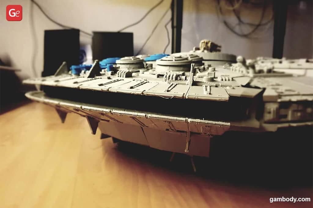 Star Wars Millennium Falcon model 3D printed