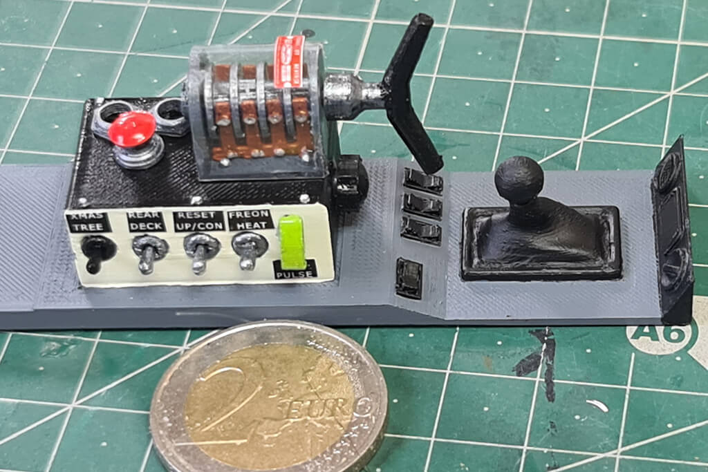 Switch box 3D printed for DeLorean model 1/8