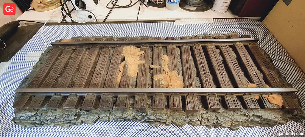 Rail platform for DeLorean 3D printed car model