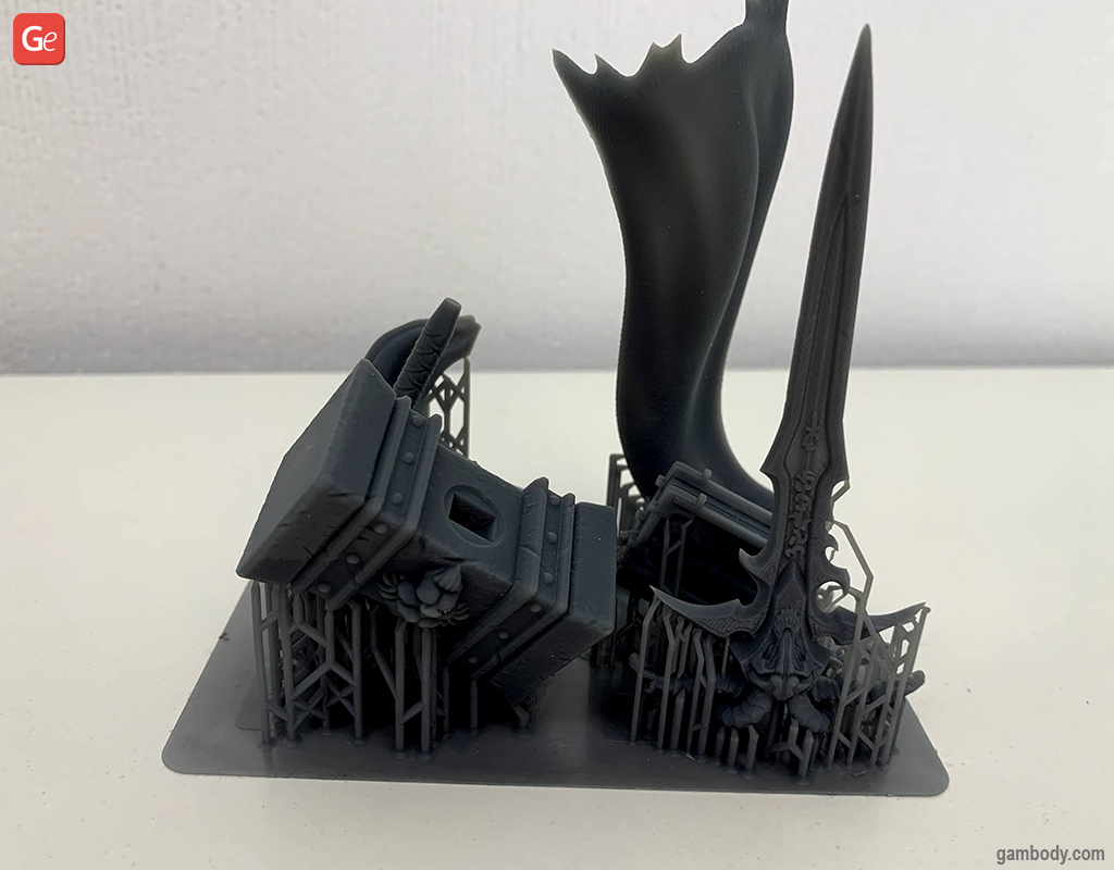 3D printed Arthas cloak and weapons with supports on Halot-One machine