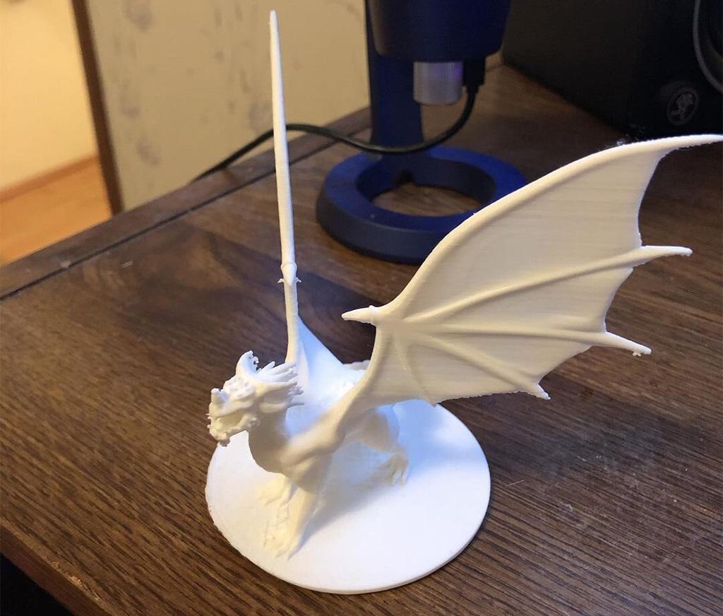 White D&D dragon made on a 3D printer