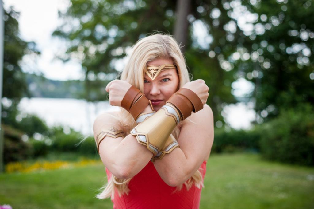 3D printed Wonder Woman armour and tiara